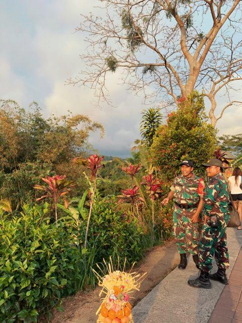 Бали солдаты