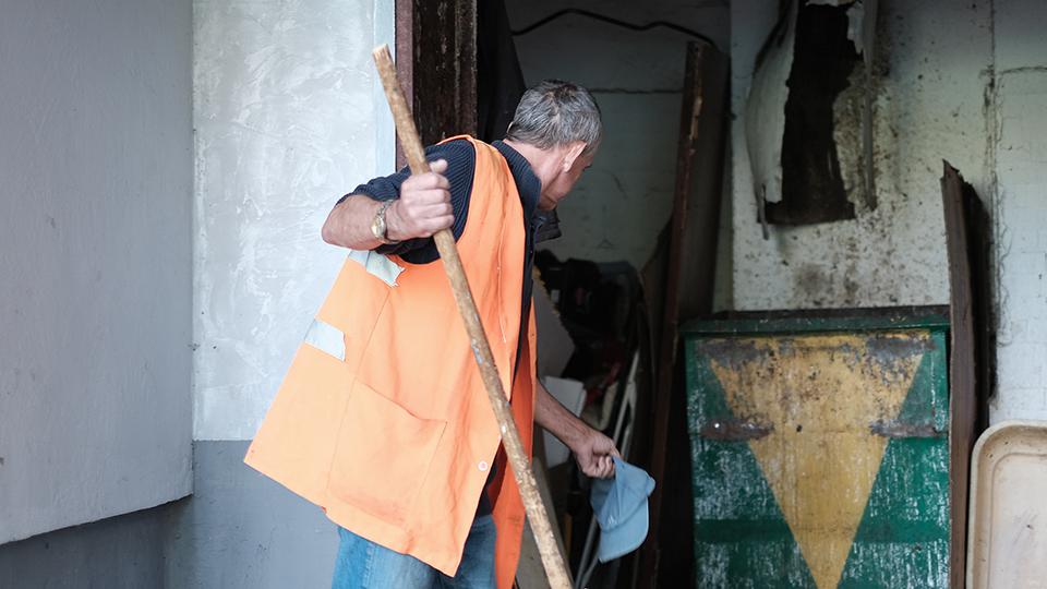 Дворник о культуре сбора мусора в Кишиневе