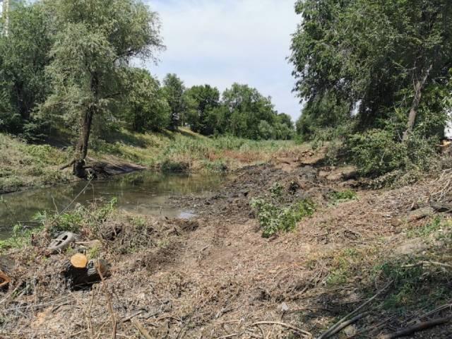Работы по очистке русла реки Бык продолжаются