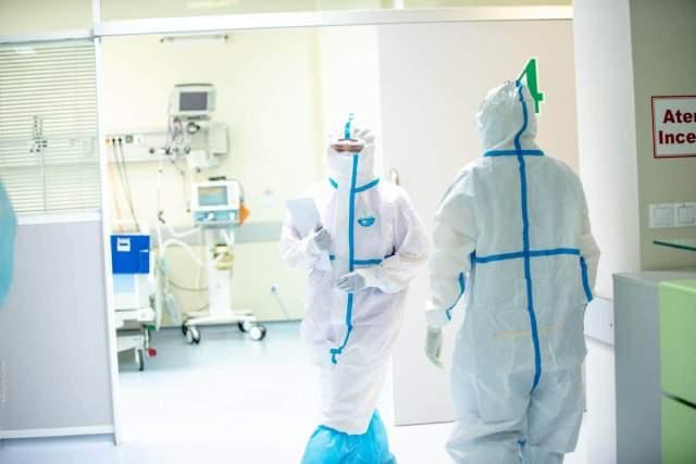 Минздрав обещает повысить зарплату медикам на 30%