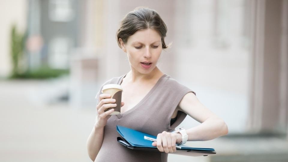 Вы беременны и работаете? Вот что стоит знать о своих правах на рабочем месте. Инструкция