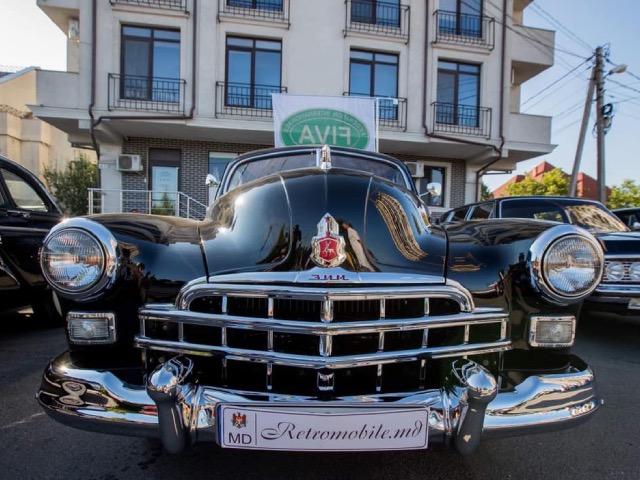 В Кишиневе прошел автопробег ретроавтомобилей по случаю годовщины Ясско-Кишиневской операции