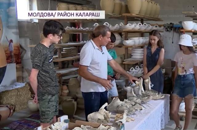 В Молдове гончар нашел останки ископаемого носорога в глиняном карьере