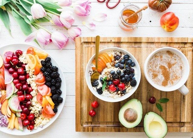 летний рацион, фрукты и ягоды