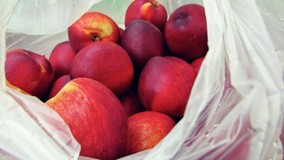 Из всех магазинов отзывают персики. Вспышка сальмонеллеза в США