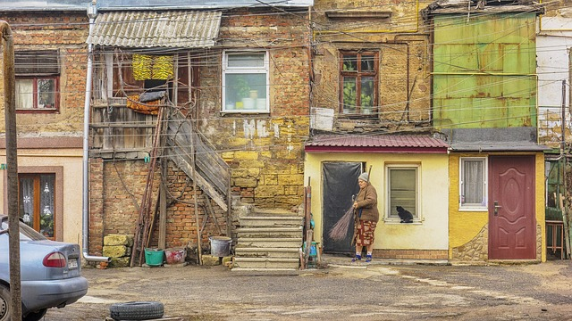 Молдавским работодателям могут разрешить нанимать иностранцев на низкооплачиваемые работы