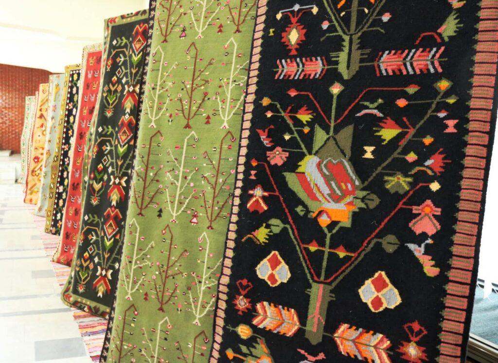 В Министерстве иностранных дел проходит выставка традиционных бессарабских ковров