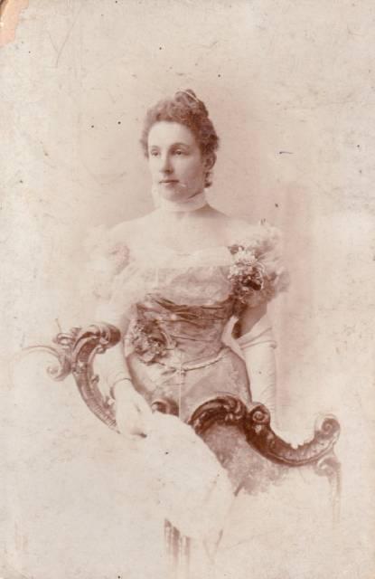 Как одевались кишиневские девушки конца 19 - начала 20 веков, 5