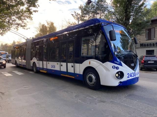 В Кишиневе появились новые двухзвенные троллейбусы.