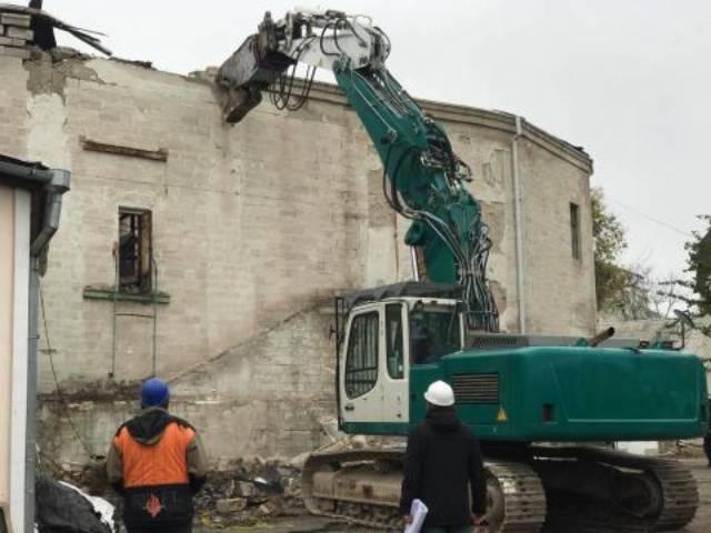 В Кишиневе начались работы по сносу здания Национальной филармонии