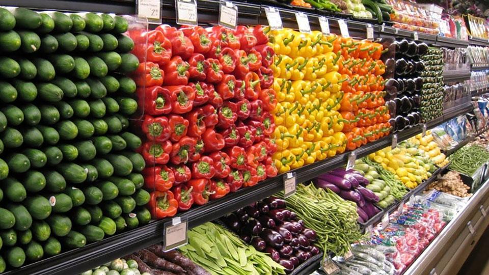 Молдавские супермаркеты снижают наценку на фрукты и овощи