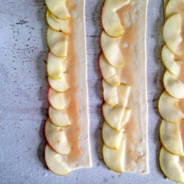 слоеное тесто с яблоками