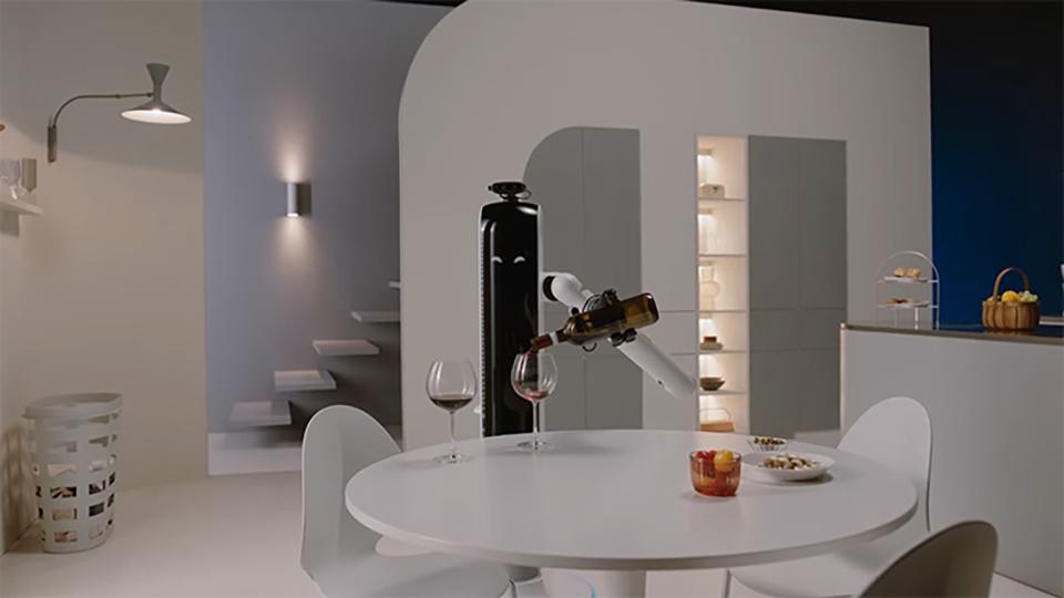 Ученые создают робота, который будет наливать и подносить бокал вина