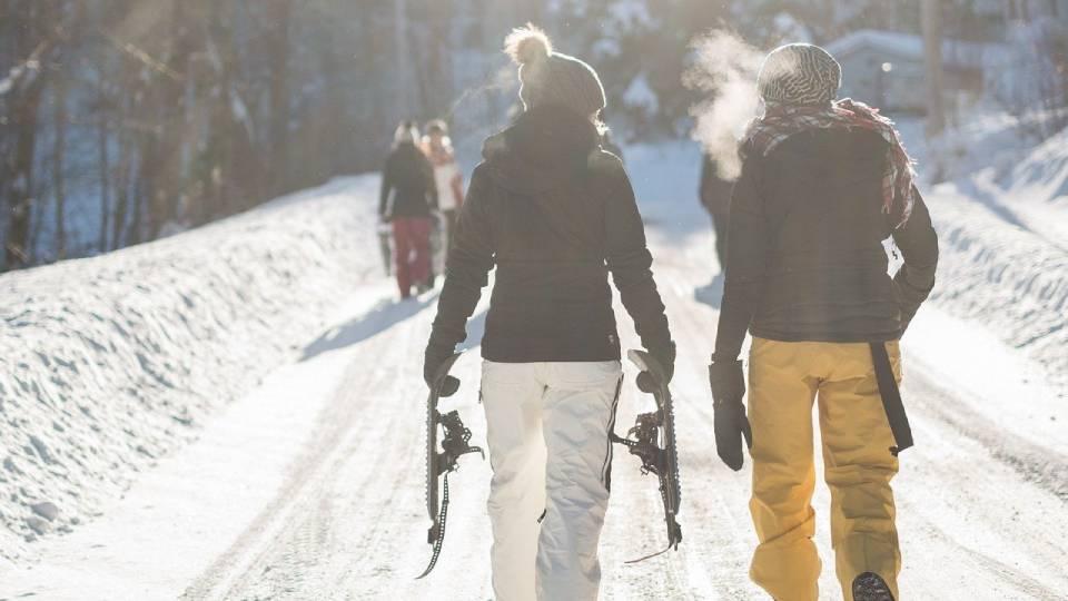 Можно заразиться ковидом зимой на улице? Что говорят ученые