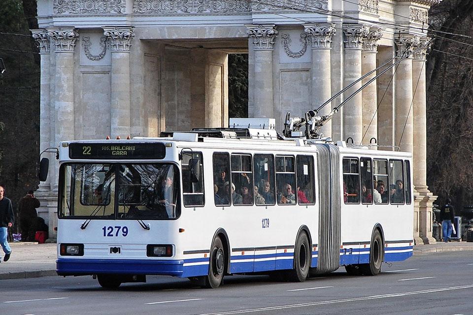 Сегодня в Кишиневе на линии выпустят больше троллейбусов и автобусов
