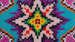 «Приданное сестер» Чудесная вышивка в фотографиях Сергея Котруцэ