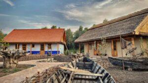 Традиции, мастер-классы и свежий воздух. Отдых в Eco-Village Valeni